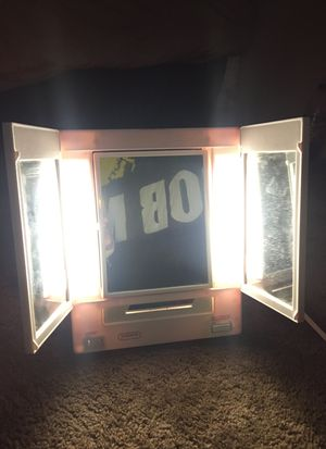 Vanity Mirror with LED lights for Sale in Las Vegas, NV