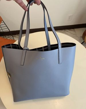 Kate Spade Tote Bag With Wristlet for Sale in Los Angeles, CA