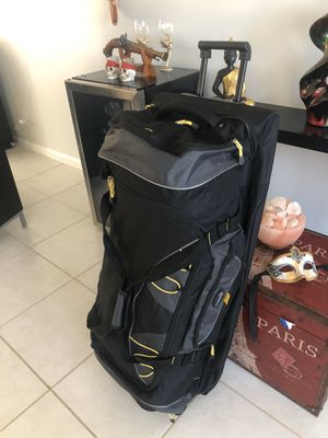 "Large duffle bag 36"" tall for Sale in Boynton Beach, FL"
