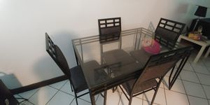 Square table with 4 chairs for Sale in Saint Cloud, FL