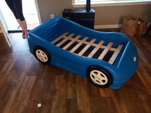Free kids racecar bed for Sale in Glendale, AZ