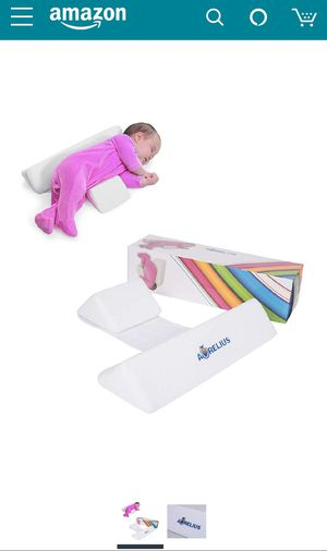 Newborn side sleeping pillow for Sale in Tampa, FL
