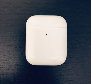 Apple AirPods with Wireless Charging Case for Sale in Brooklyn, NY