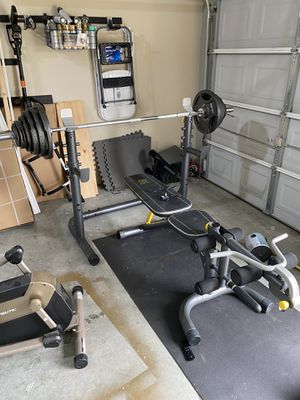 Gold's gym weight bench and weights for Sale in College Park, GA