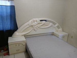 Bedroom set of Queens or King must go ASAP for Sale in Cocoa, FL