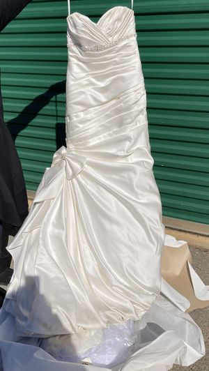 David's Bridal Wedding Dress Size 4 for Sale in Sanford, NC