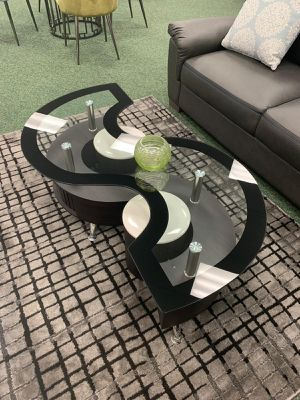 New glass s shape coffee table with ottoman for Sale in LAUD BY SEA, FL