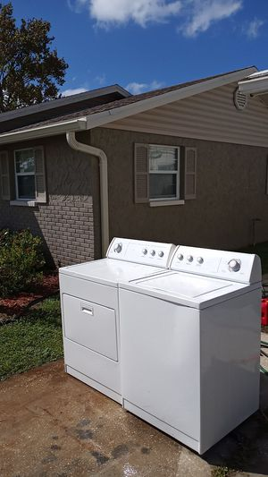 Matching whirlpool washer and dryer clean for Sale in Hudson, FL