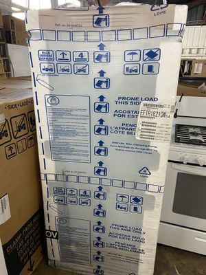 Frigidaire refrigerator brand new / white for Sale in San Diego, CA