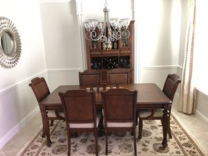 Bombay Solid Wood Mahogany Dining Set (Hutch, 1-leaf expandable table , 6 chairs) for Sale in League City, TX