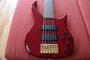 Peavey Cirrus 6 string bass USA for Sale in Seattle, WA