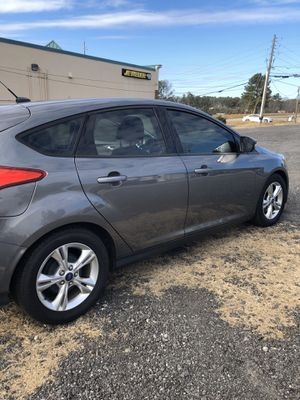 2014 Ford Focus SE Hatchback (with bluetooth) for Sale in Alpharetta, GA