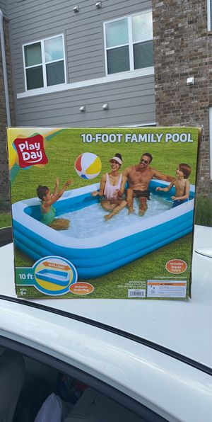 Play Day 10ft Pool! Hard to find! In Hand! for Sale in Tampa, FL