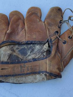 Vintage Baseball Glove Goldsmith Mace Brown for Sale in Las Vegas,  NV