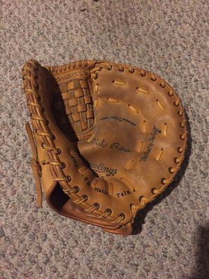 Baseball glove for Sale in Columbus, OH
