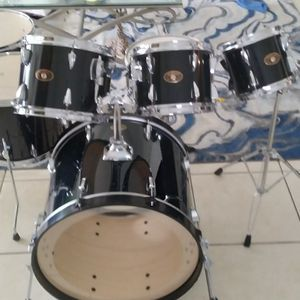 Tama Imperialstar Drum Set (Kendall) for Sale in Miami, FL