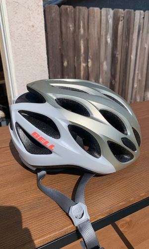 Women's bell cycling helmet for Sale in Westminster, CA