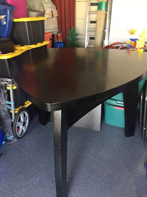 Dinning table for Sale in Kissimmee, FL