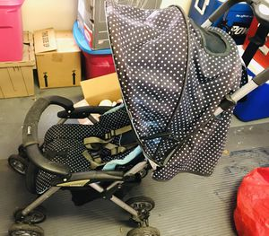 Free Old Stroller and Car seat for Sale in Tallahassee, FL