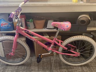 """Girls 22"""" Bike for Sale in Woodburn,  OR"""