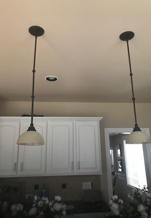 Hanging kitchen island lights for Sale in Federal Way, WA