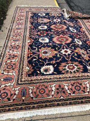 Huge Persian rug 8x10 condition like new. for Sale in Falls Church, VA