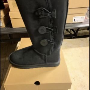 Brand New Black Ugg Boots Size 6-7-8-9-10 for Sale in Detroit, MI