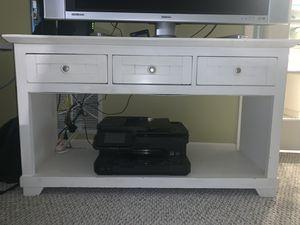 white 3 drawer stand for Sale in Miami, FL