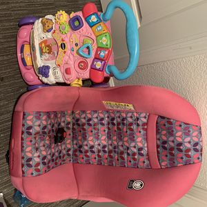 Cosco Convertible baby girl car seat for Sale in Sacramento, CA