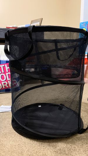 Laundry Basket (Collapsable) for Sale in Milan, IL