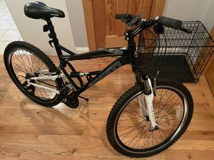 Schwinn 26 inch, 21 Speed Mountain Bike (Black & White) for Sale in Brooklyn, NY