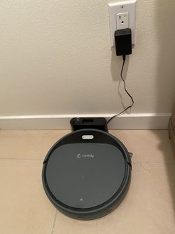 Coreby Coredy Robot Vacuum Cleaner- used less then 6 months, with original box and parts for Sale in Seattle,  WA