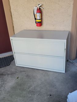 Free - Off White Filing Cabinet for Sale in Dallas,  TX