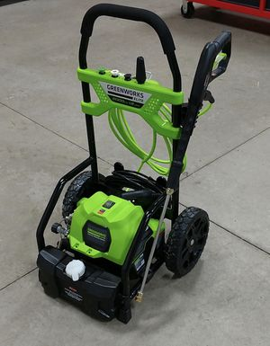 $130 NEW Greenworks 2000 PSI 1.2gpm 14Amp Electric Pressure Washer 25 feet tangle free water hose for Sale in South El Monte, CA