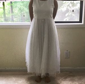 White Dress with Veil for Sale in Decatur, GA