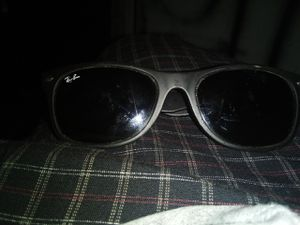 Ray-Ban sunglasses for Sale in Bell Gardens, CA