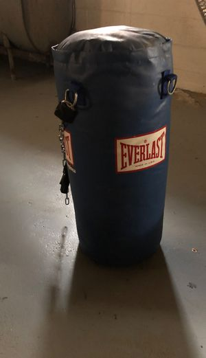 Everlast punching bag for Sale in Springfield, MA