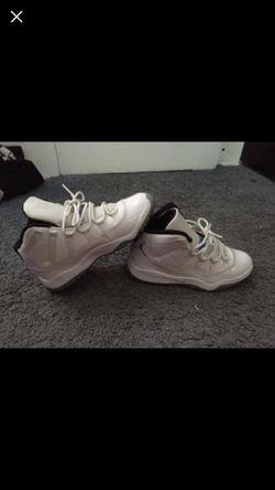 Jordan retro 11 size 3 in kids women 6 for Sale in PA,  US