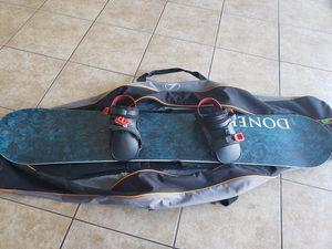 Doner Snowboard with Lamar travel bag for Sale in Las Vegas, NV