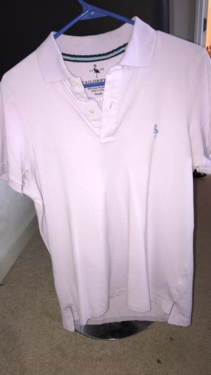 Mint condition lilac polo by TAILORBYRD (S) for Sale in Orlando, FL