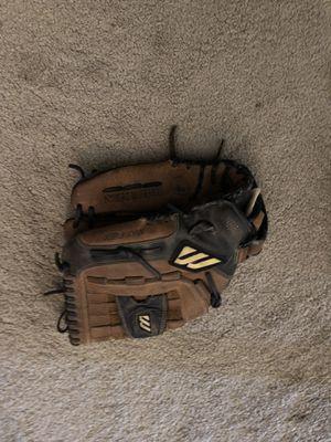 Mizuno baseball glove for Sale in Mesa, AZ