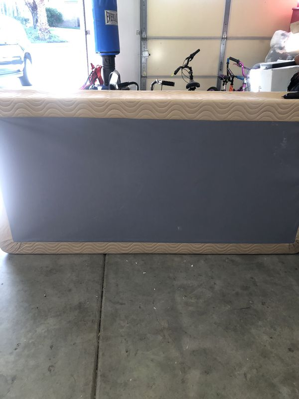 Free twin banner mattress box spring