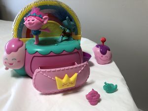 Trolls Dance, Hug and Sing Jewelry Box - $6 (Bellevue) for Sale in Bellevue, WA