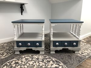 A pair of Matching nightstands/end/side tables for Sale in Biddeford, ME
