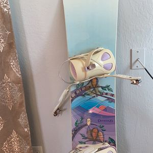 Woman's Snowboard Size 152 for Sale in Sanger, CA