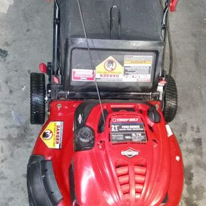 Briggs And Straton Troy Built Lawn Mower for Sale in North Las Vegas, NV