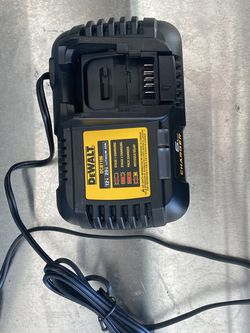 Dewalt Dcb1106 Charger for Sale in Lake Wales,  FL