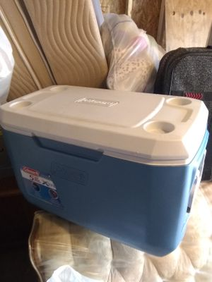 Coleman Cooler for Sale in Cleveland, OH