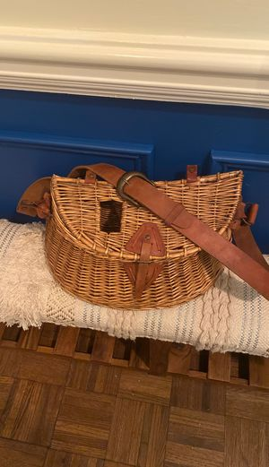 White River Vintage Wicker Fishing Creel -Antique. for Sale in Lilburn, GA