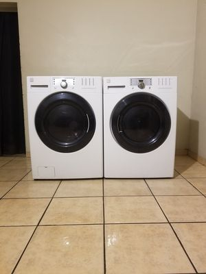 BEAUTIFUL FRONT LOAD KENMORE ELITE WASHER AND ELECTRIC DRYER for Sale in Phoenix, AZ